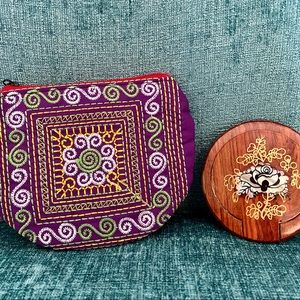 New Hand Crafted Zipper Pouch & Mirror Compact